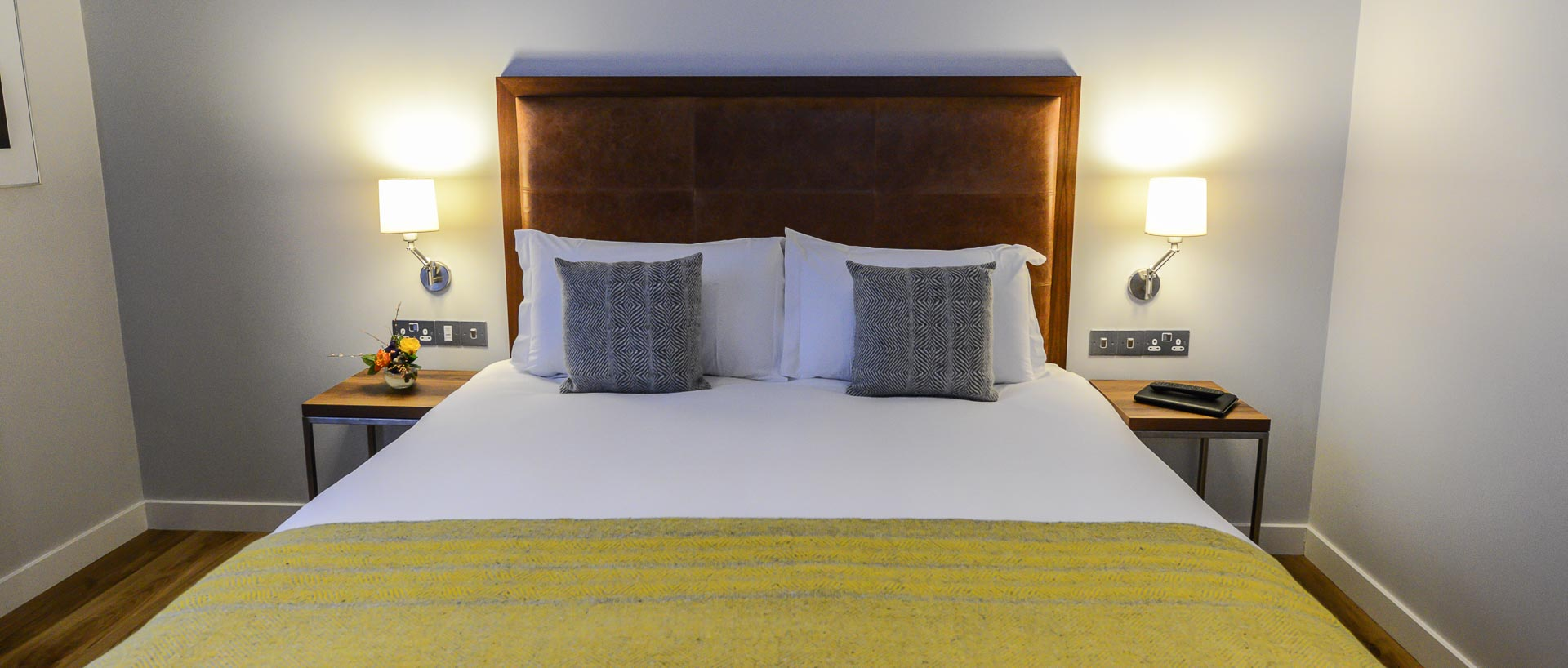 Modern spacious double bedroom in PREMIER SUITES PLUS Dublin executive studio
