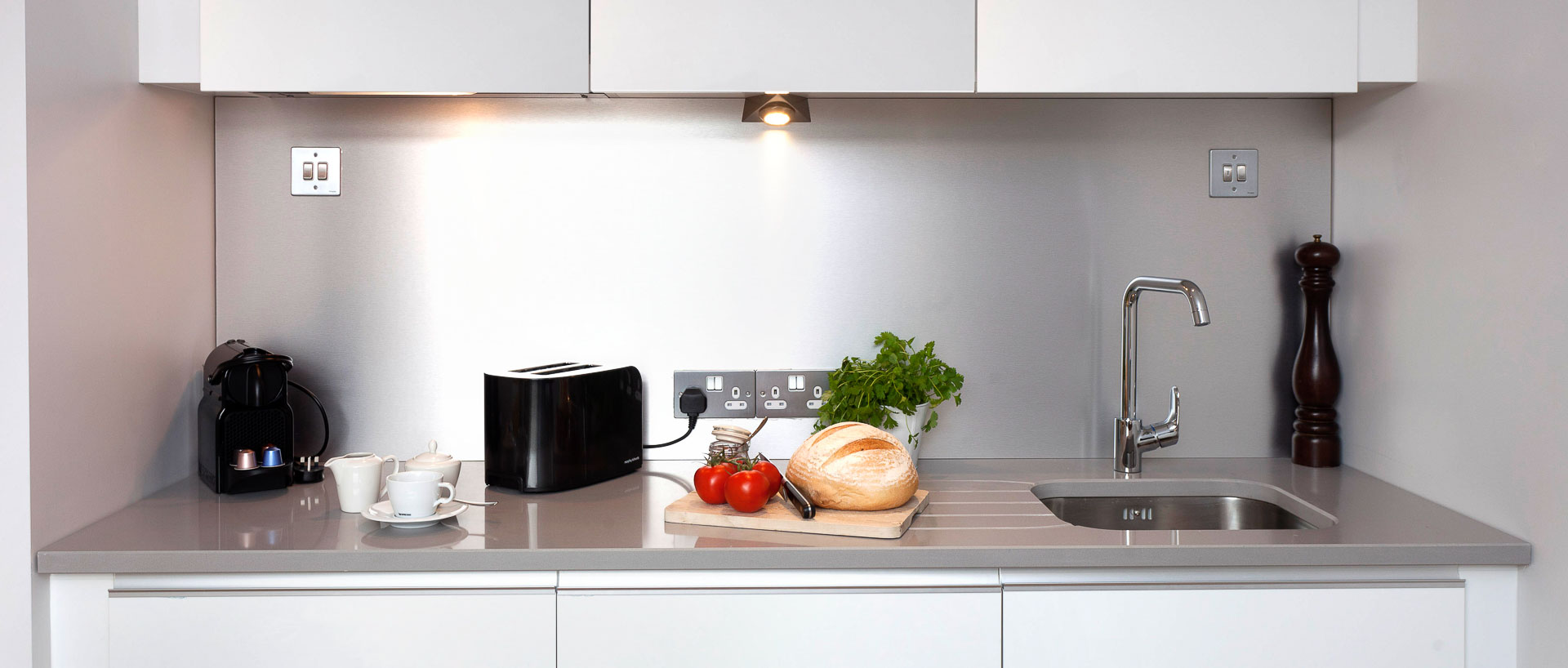 Modern fully equipped kitchen in PREMIER SUITES Dublin Ballsbridge serviced apartments