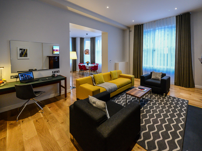 Living space in the Merrion Suite PREMIER SUITES PLUS Dublin Ballsbridge