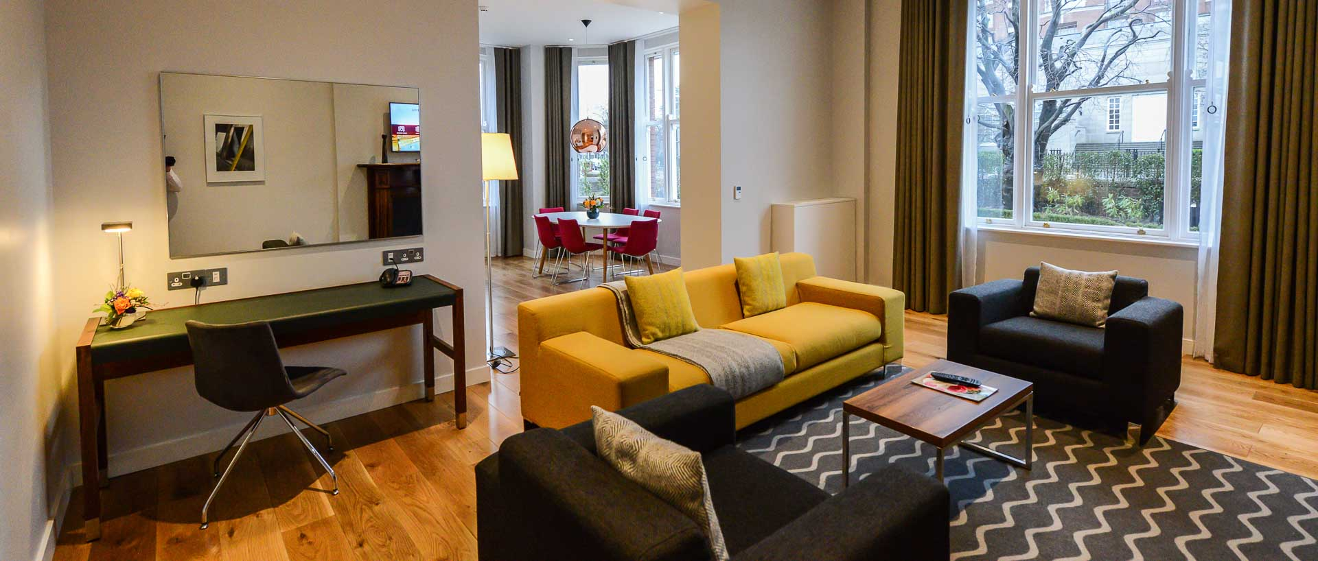 PREMIER SUITES Dublin Ballsbridge fully furnished serviced apartment with open plan lounge and dining room